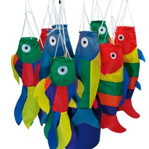 Mini maniche a vento forma di pesce con bacchetta per essere applicati a balconi o passeggini